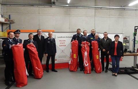 Sicheres Arbeiten ohne Gaffer, Rettungskräfte erhalten wichtige und neuzeitliche Ausrüstung!